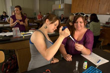 Agricultural Education: instructing students in the lab